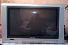"""Donación de productos: TV 28"""" pixel Plus II"""