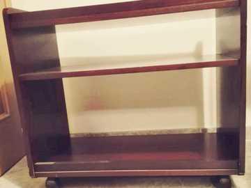 Donació de productes: Mueble madera auxiliar/tv